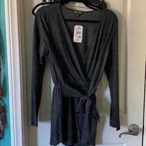 black/grey romper billabong- very soft